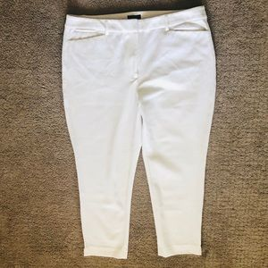 White House Black Market White Slim Crop Pants